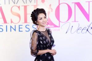 DOANH NHÂN VÂN THANH TỰ TIN CATWALK TRÊN SÀN DIỄN BUSINESS FASHION WEEK 2018